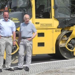 SPD-Mitglieder des Verkehrs- und Straßenausschusses im Kreis Gütersloh machen sich ein Bild in Groppel: (v.l.) Fritz Spratte (Gütersloh), Klaus Tönshoff (Harsewinkel), Ausschussvorsitzender, und Karl-Dieter Menke (Borgholzhausen).